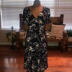 CHAPS Dress, Black/White Size M. EUC